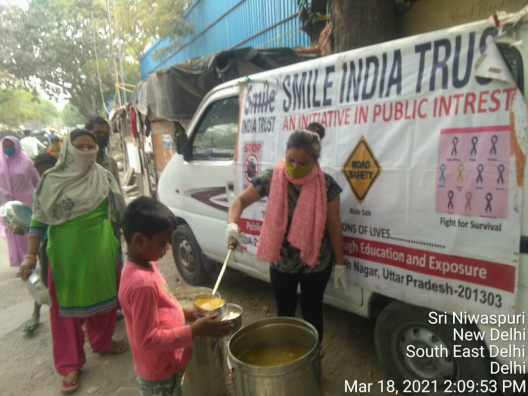 SmileIndiaTrust-FoodDistribution