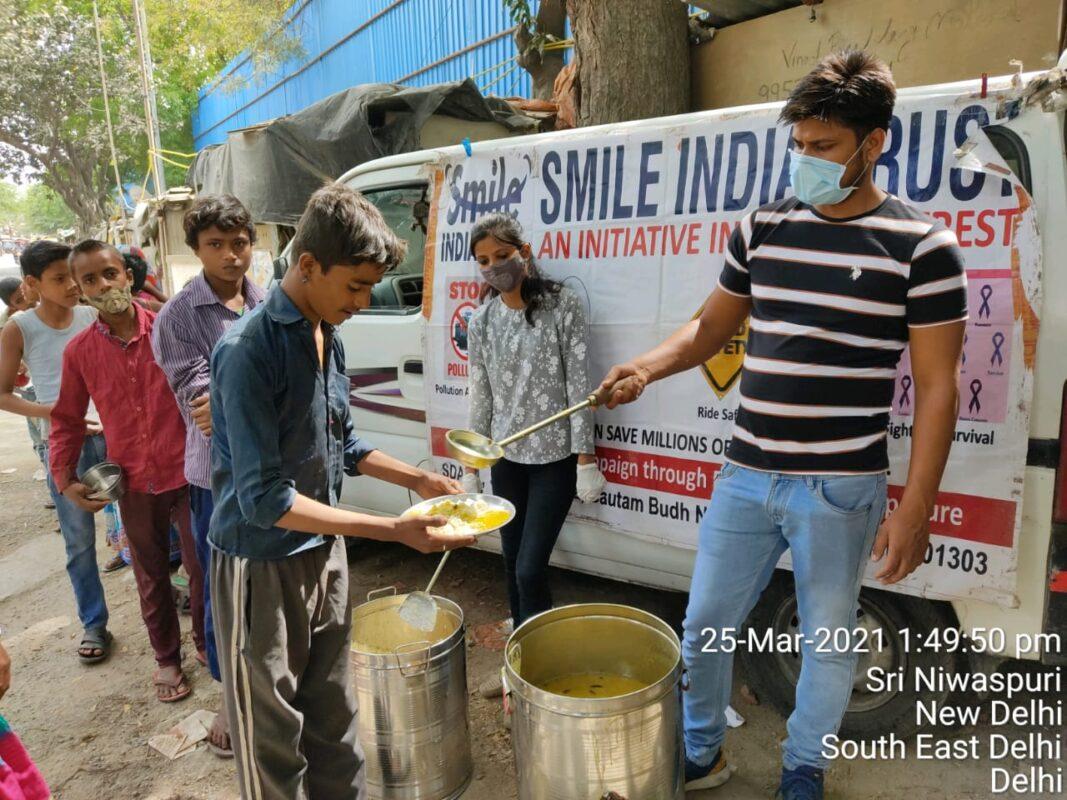 SmileIndiaTrust-CookedFood