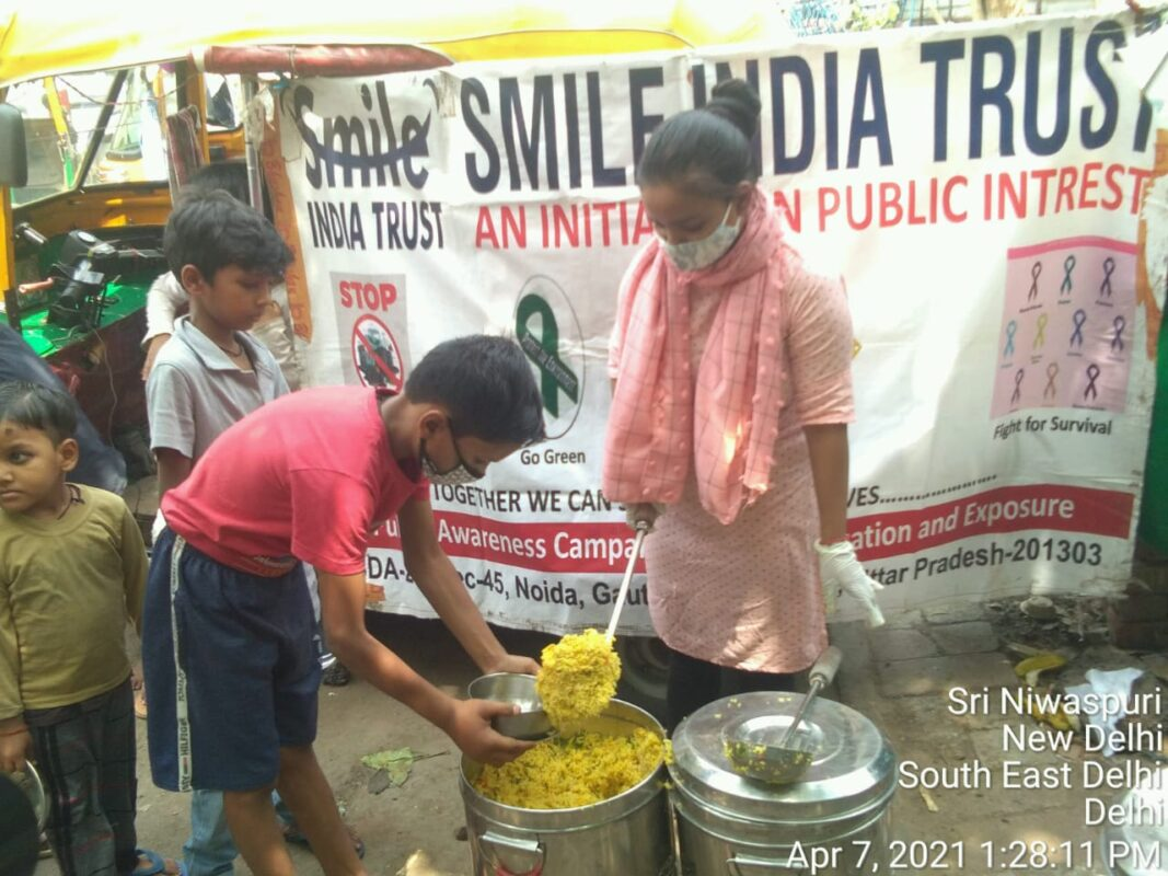 SmileIndiaTrust-CookedFood