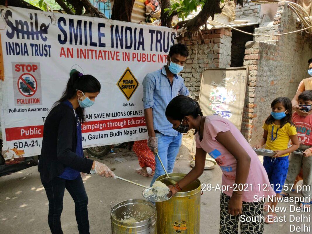 SmileIndiaTrust-FoodDistribution